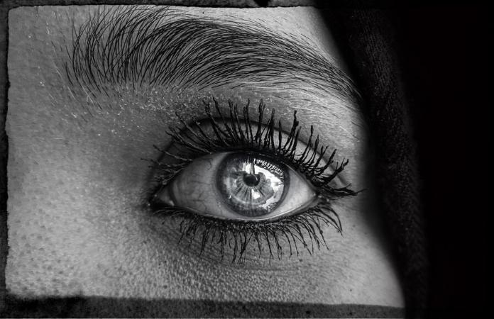 Eve's eye